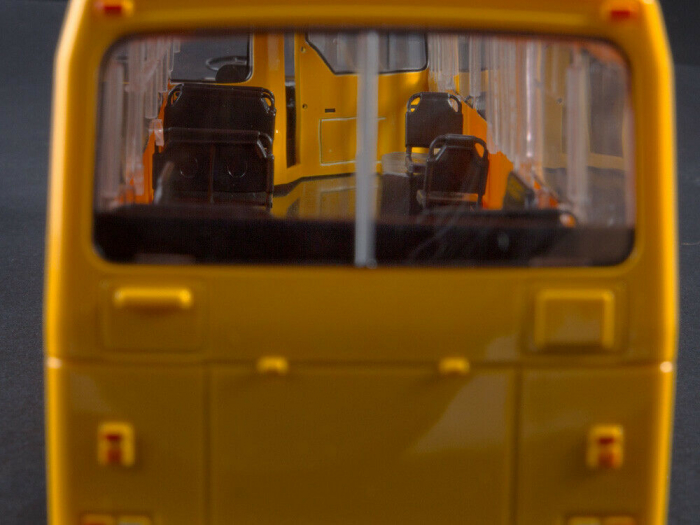 Macheta autobuz LAZ-4202, scara 1:43 6