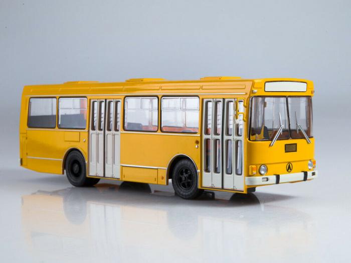 Macheta autobuz LAZ-4202, scara 1:43 0