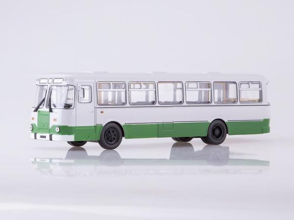 Macheta autobuz LiAZ 677m Moscova, scara 1:43 2