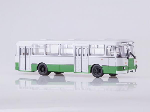 Macheta autobuz LiAZ 677m Moscova, scara 1:43 0
