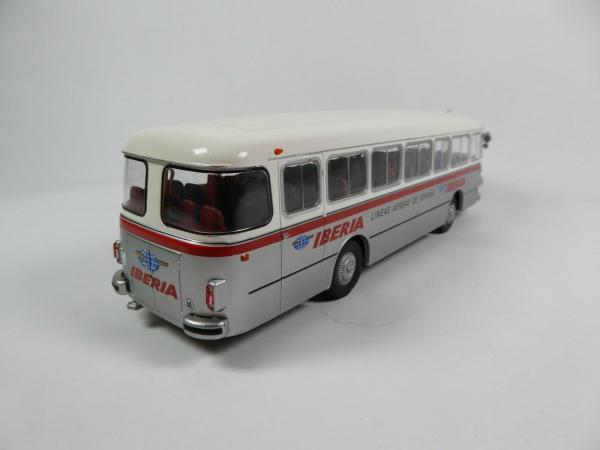 Macheta autobuz Pegaso Comet 5061, scara 1:43 1