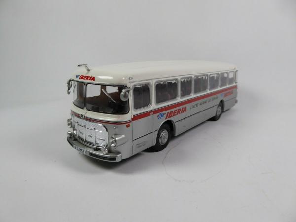 Macheta autobuz Pegaso Comet 5061, scara 1:43 0