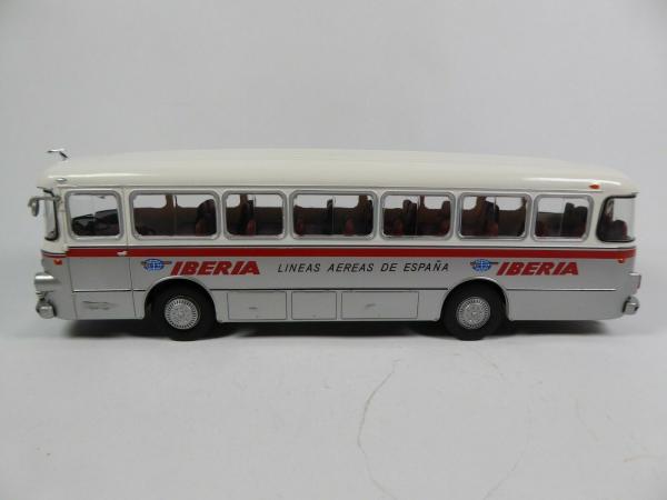 Macheta autobuz Pegaso Comet 5061, scara 1:43 2