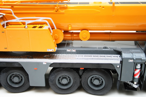 Macheta automacara Liebherr LTM1350-6.1, scara 1:50 5