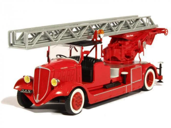 Macheta autoscara pompieri Delahaye Type 103 Magirus, scara 1:43 [0]