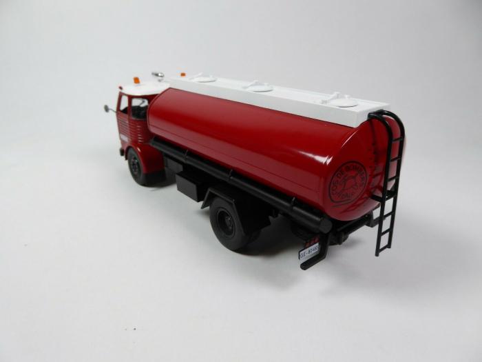 Macheta cisterna pompieri Pegaso Comet 1095, scara 1:43 [1]