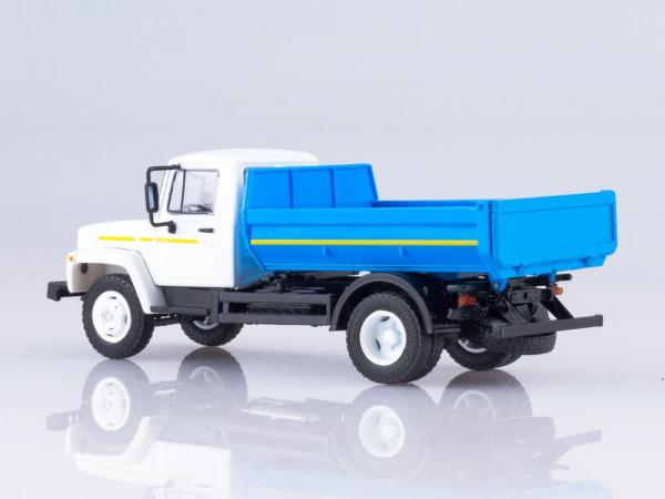 Macheta basculanta GAZ-35072, scara 1:43 1