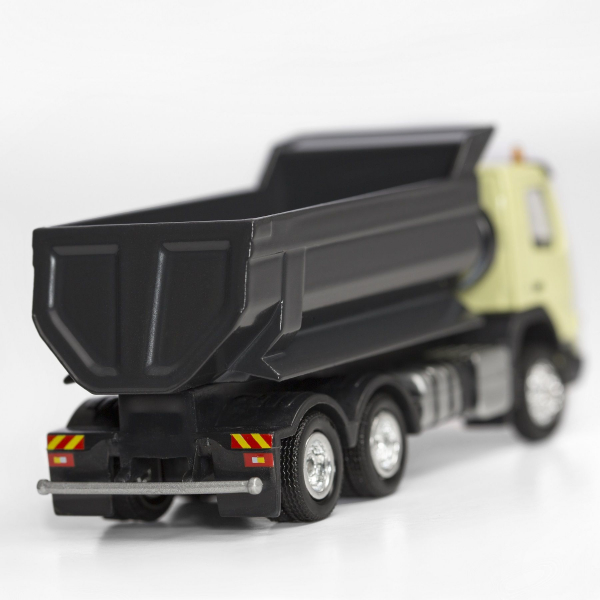 Macheta basculanta Volvo FMX 6x4, scara 1:87 2