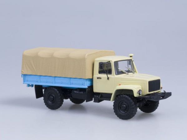 Macheta camion cu prelata GAZ 33081 4x4, scara 1:43 1