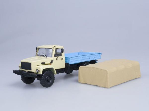 Macheta camion cu prelata GAZ 33081 4x4, scara 1:43 2