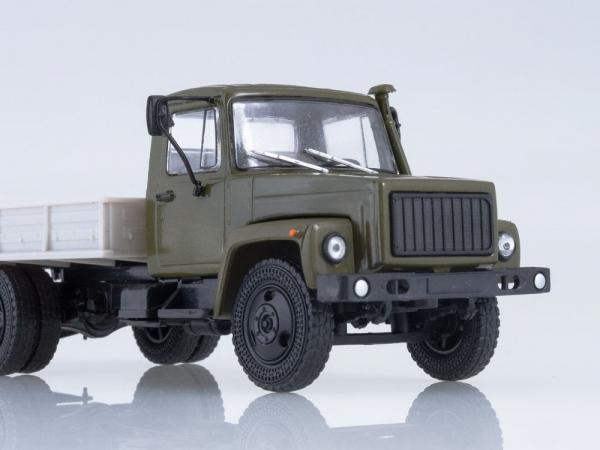 Macheta camion cu prelata GAZ-3309, scara 1:43 2