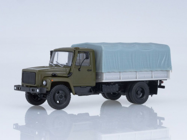 Macheta camion cu prelata GAZ-3309, scara 1:43 0