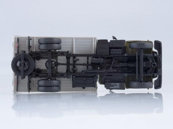 Macheta camion cu prelata GAZ-3309, scara 1:43 4