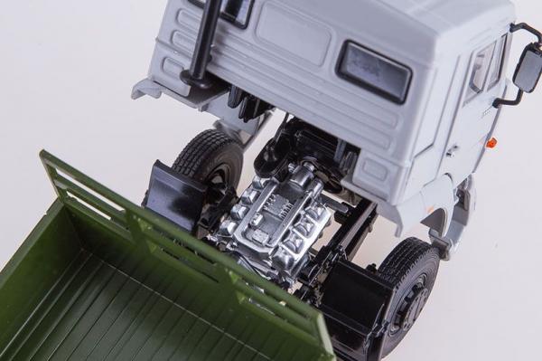 Macheta camion cu prelata Kamaz 65117, scara 1:43 2