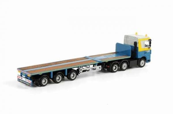 Macheta camion DAF XF105 cu trailer telescopic, scara 1:87 1