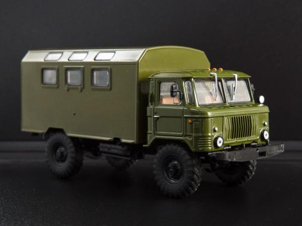 Macheta camion GAZ-66 cu duba de persoane, scara 1:43 0