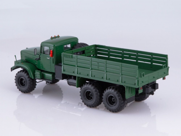 Macheta camion Kraz 255B1, scara 1:43 1