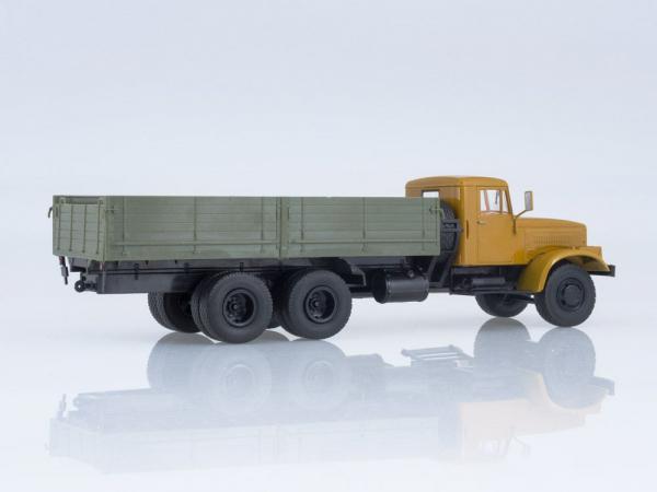 Macheta camion KRAZ 257B1, scara 1:43 2