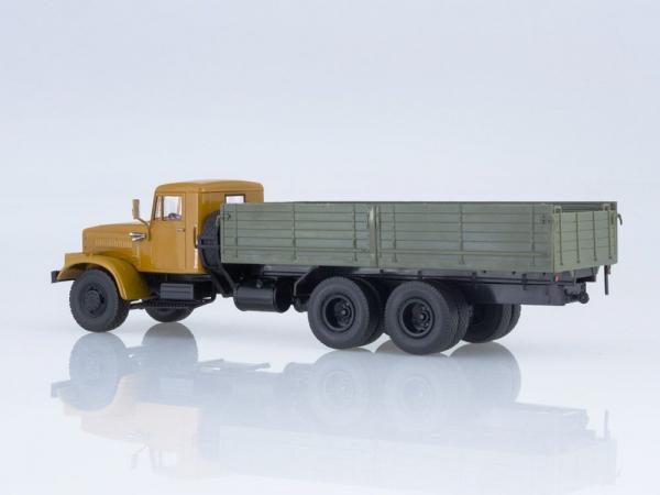Macheta camion KRAZ 257B1, scara 1:43 1