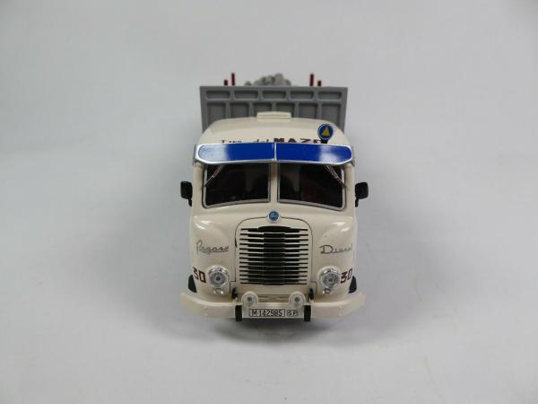 Macheta camion lemne Pegaso Z202 Diesel, scara 1:43 2