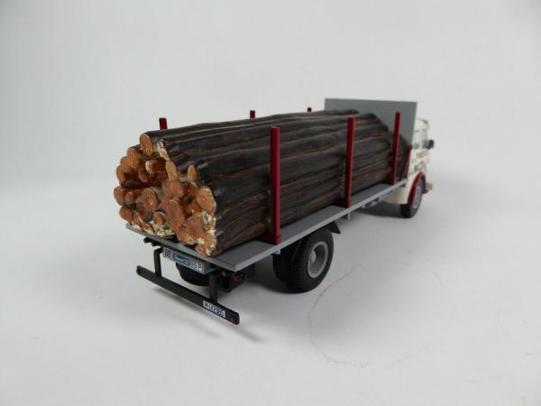 Macheta camion lemne Pegaso Z202 Diesel, scara 1:43 1