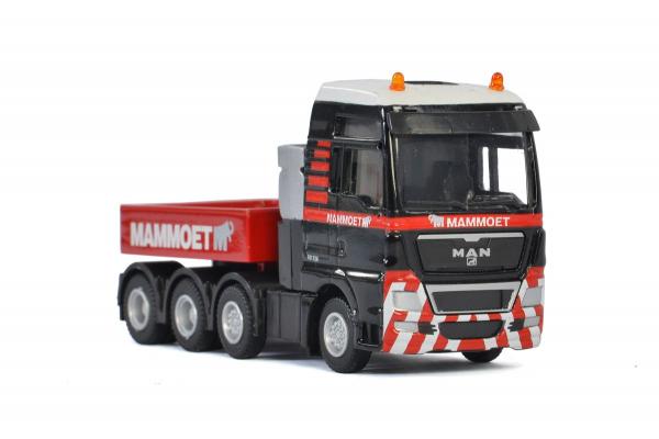 Macheta camion MAN TGX XXL 8x4, scara 1:87 0