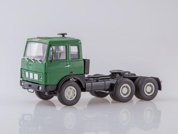 Macheta camion MAZ6422 cu semiremorca transcontainer MAZ928920, scara 1:43 2