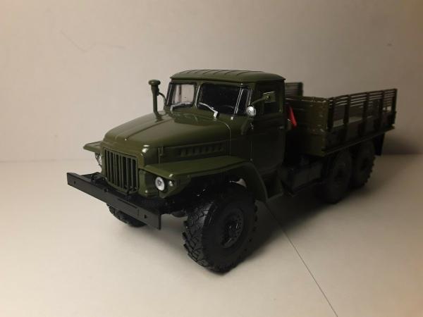 Macheta camion Ural375D, scara 1:43 0
