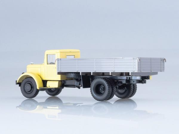 Macheta camion YaAZ-200, scara 1:43 1
