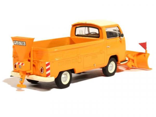 Macheta camioneta Volkswagen Transporter T2a cu plug si sarArita, scara 1:43 1