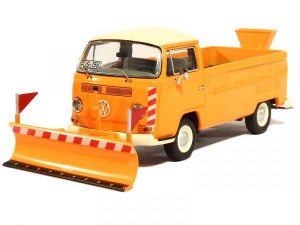 Macheta camioneta Volkswagen Transporter T2a cu plug si sarArita, scara 1:43 0