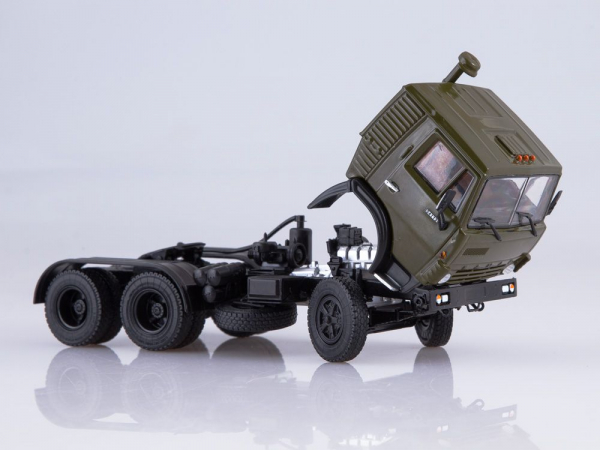 Macheta cap tractor Kamaz 54112 cu cimentruc, scara 1:43 7