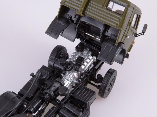 Macheta cap tractor Kamaz 54112 cu cimentruc, scara 1:43 5