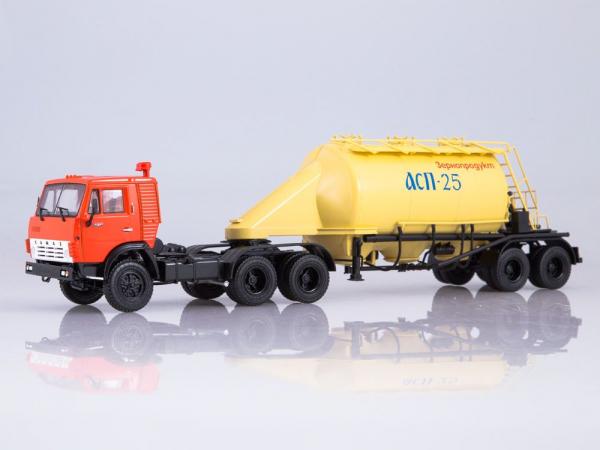 Macheta cap tractor Kamaz 54112 cu siloz de faina, scara 1:43 0