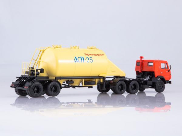 Macheta cap tractor Kamaz 54112 cu siloz de faina, scara 1:43 1