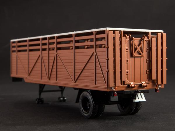 Macheta cap tractor KAZ 698 cu semiremorca transport animale ODAZ 857B, scara 1:43 [7]