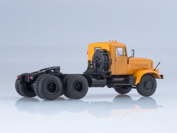 Macheta cap tractor Kraz 258B1, scara 1:43 1