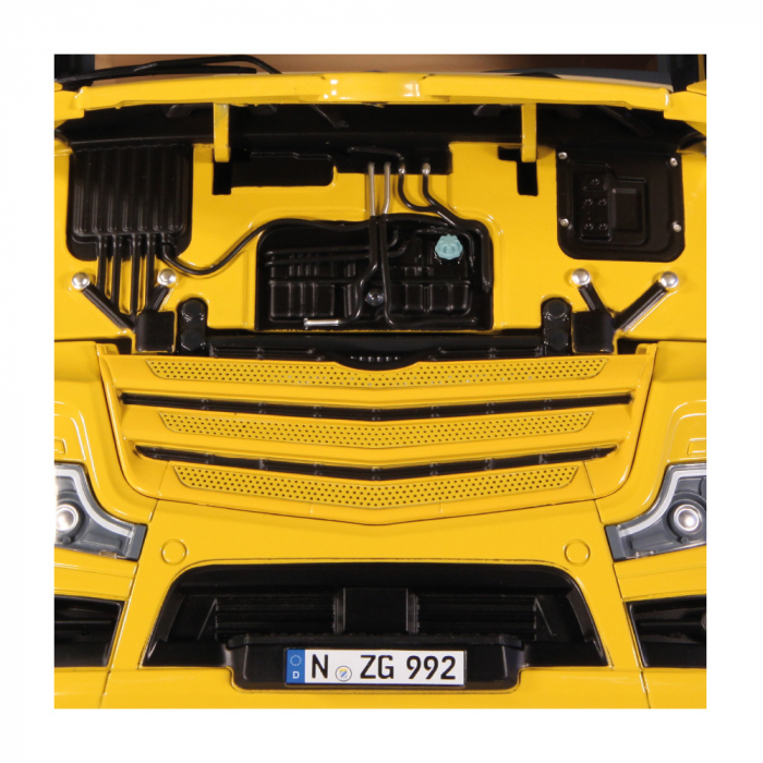 Macheta cap tractor Mercedes Benz Actros Gigaspace facelift 2018, scara 1:18 - Copie [4]