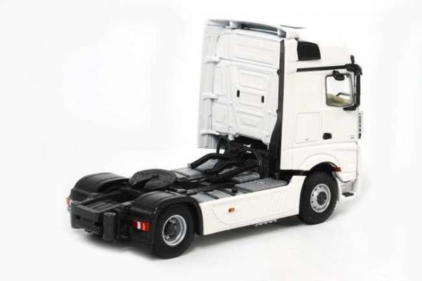 Macheta cap tractor Merceeds Actros Bigspace MP4 4x2, scara 1:50 1