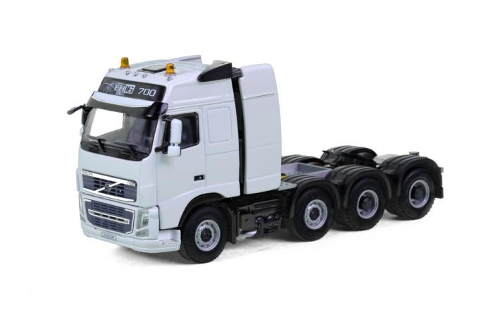 Macheta cap tractor Volvo FH3 Globtrotter 8x4, scara 1:50 [0]