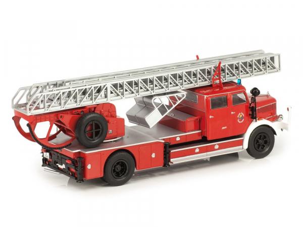 Macheta masina pompieri Krupp DL52, scara 1:43 1