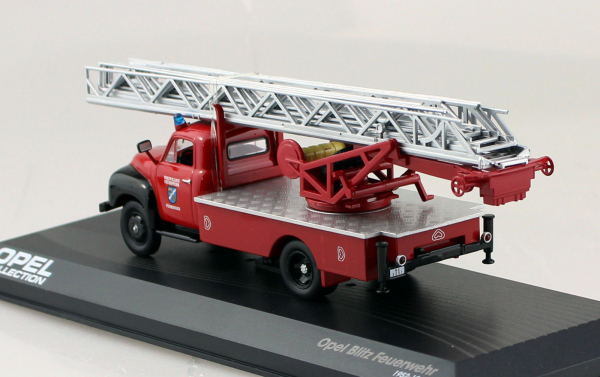 Macheta masina pompieri Opel Blitz, scara 1:43 1