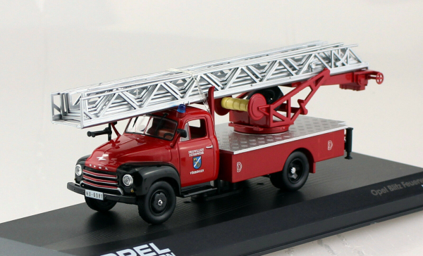 Macheta masina pompieri Opel Blitz, scara 1:43 0
