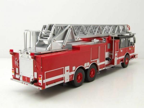Macheta masina pompieri SMEAL 105, scara 1:43 1