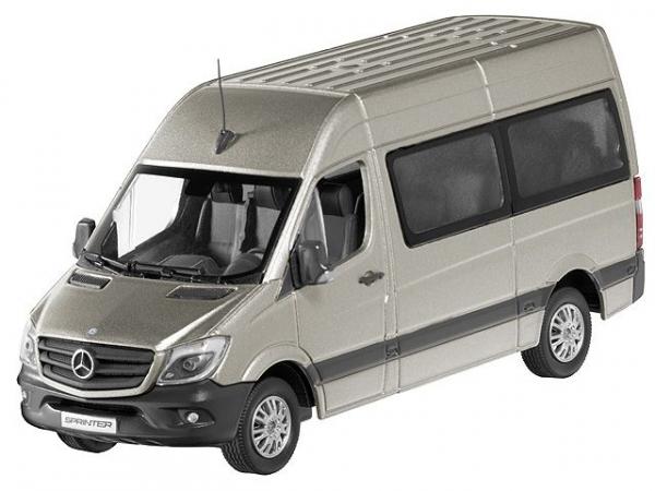 Macheta minibus Mercedes Sprinter 2013, scara 1:43 0