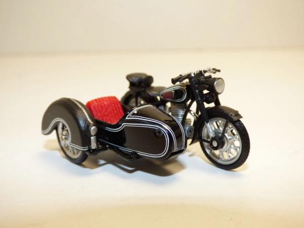 Macheta motocicleta cu atas BMW B-25/3, scara 1:43 0