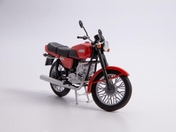 Macheta motocicleta cehoslovaca Java 350/638, scara 1:24 7