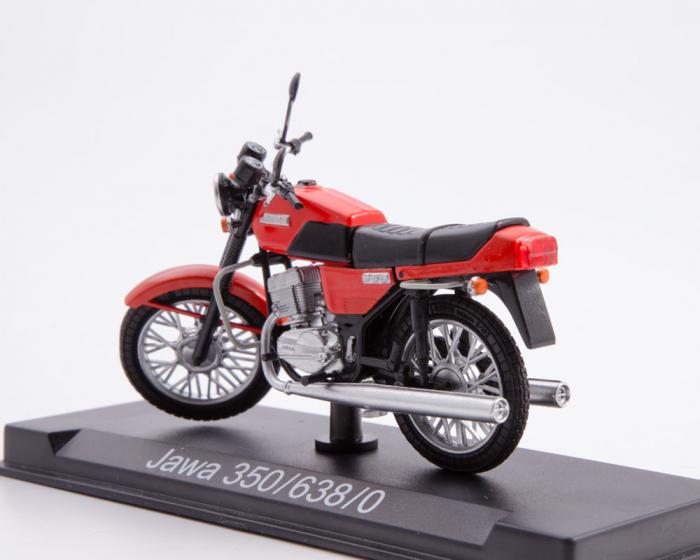 Macheta motocicleta cehoslovaca Java 350/638, scara 1:24 1