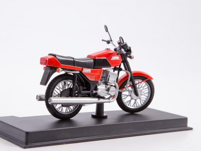 Macheta motocicleta cehoslovaca Java 350/638, scara 1:24 2