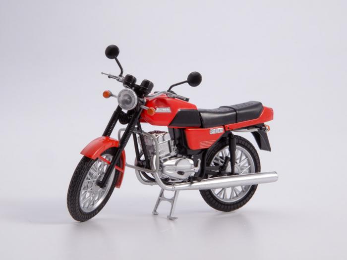 Macheta motocicleta cehoslovaca Java 350/638, scara 1:24 6